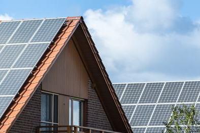 Solarzellen auf dem Hausdach